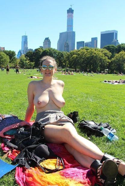 flagra-nudez-lugares-publicos-19
