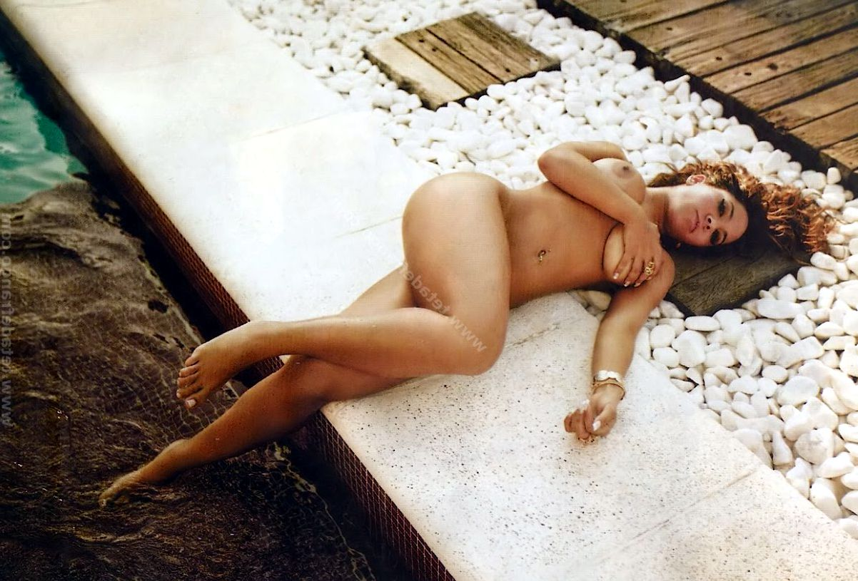 renata-frisson-mulher-melao-nua-playboy-39