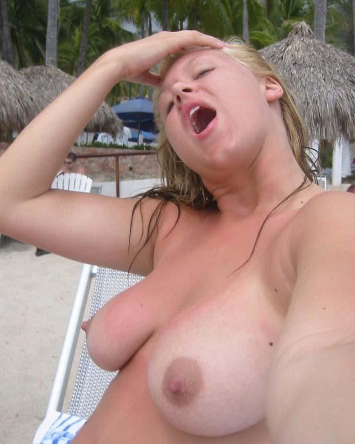 nudes-garotas-safadas-amadoras-selfie-nuas-01