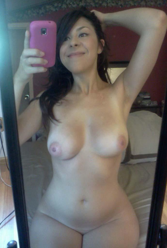 nudes-garotas-safadas-amadoras-selfie-nuas-08