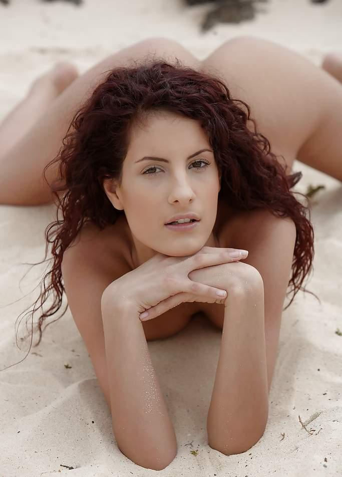 casadasinfieis com mulheres nuas na praia